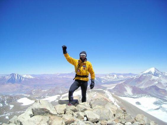 Hacer la cumbre del volcán más alto del mundo #OjosDelSalado