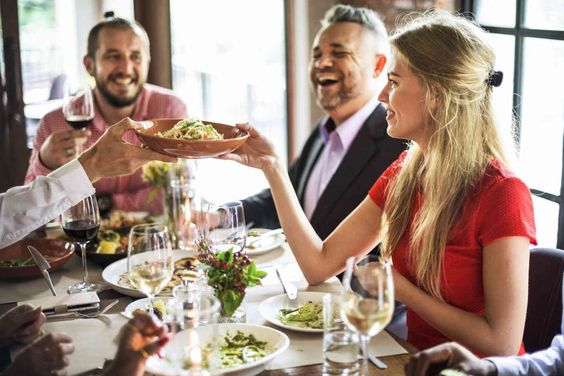 Expert Advice: Mindful Planning for Your Next Holiday Meal | dLife