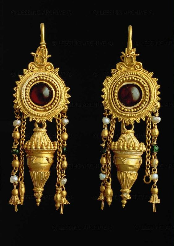 JEWELRY 3RD BCE Earrings with garnets and pearls, 3rd century BCE. H: 3,1 cm. Museo Archaeologico, Bari, Italy via Lessing Photo