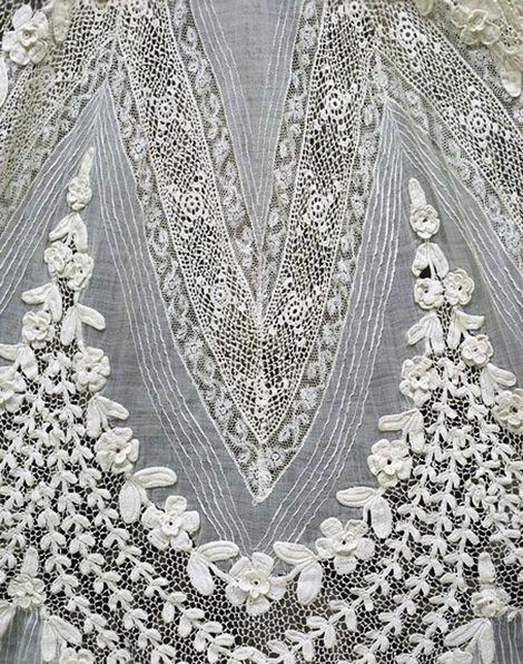 dress detail 1904 | French day dress, detail, 1904-1908.
