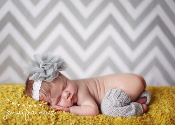 love the yellow and grey... and chevron backdrop!