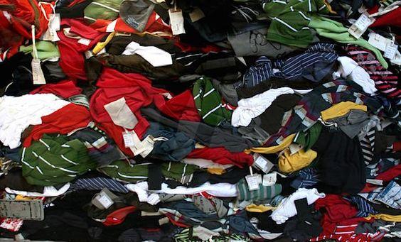 De Nederlandse modesector houdt jaarlijks 21,5 miljoen kledingstukken over. Voor modewinkels betekent dit een omzetverlies € 313,5 miljoen. Winkels, groothandels en producenten blijven zitten met onverkoopbare kleding omdat ze trends verkeerd hebben voorspeld en de maat, pasvorm of kleur niet goed is. Onverkochte kledingvoorraad zorgt voor omzetschade en zinloze milieu-impact, maar vreemd genoeg is tot …
