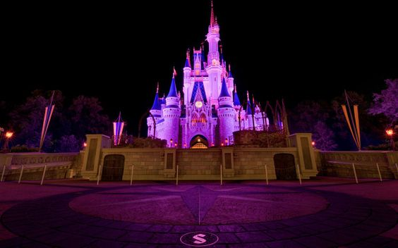 Castelo de Cinderela na noite, Disneyland Wallpaper