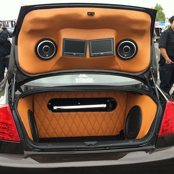 custom fiberglass trunk install subwoofers on the side of the trunk nice and clean ridesmag. Black Bedroom Furniture Sets. Home Design Ideas