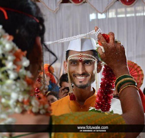 Indian Wedding Photography | FOTUWALE | @fotuwalaankush  #weddingphotographer #weddingdayphoto #weddingphotography #happiness #smile #groom #bride #wedding #vivah #shaddi #marriage #puneinstagrammers #punephotographer #preweddingphotography #engangementphotography #candidphotography #kidsphotography #candidphoto #weddingphoto #engangementphoto #malkapurphoto #candidweddingphotography #fotuwalaankush #fotuwale by fotuwalaankush