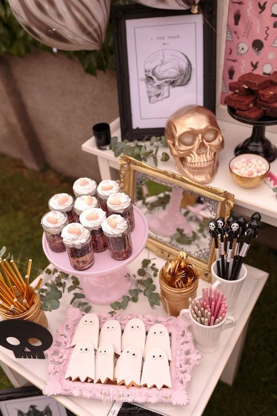 Party table from a Trick or Treat in Halloween Party on Kara's Party Ideas | KarasPartyIdeas.com (26)