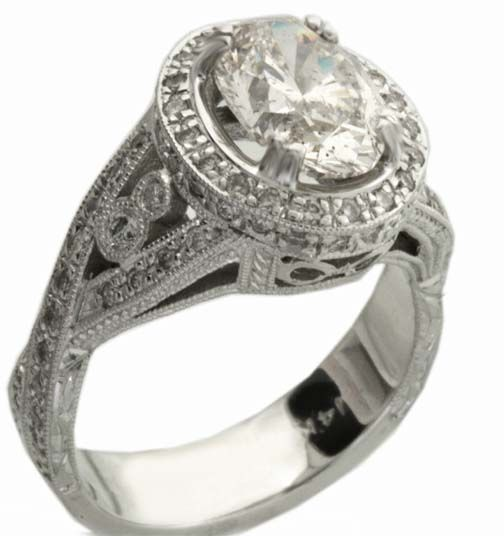 If I ever get engaged I want one of these cuz it looks like a sports championship ring.