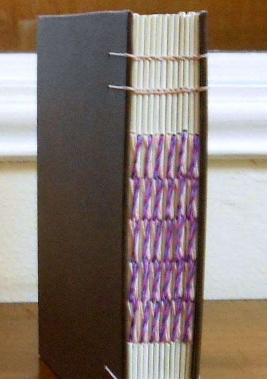 Se combinó una costura cruzada con cadeneta
