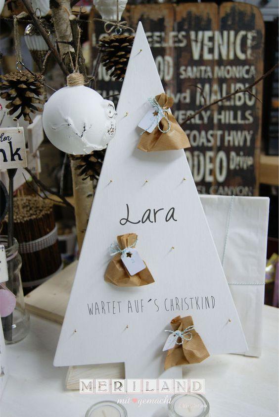 Wunderschöner handgefertigter Adventkalender Baum im Shabby Chic Look - auch mit deinem Wunschtext  mit 12 Nägel und Aufhängung auf der Rückseite   Dieses Angebot beinhalten ausschließlich den...