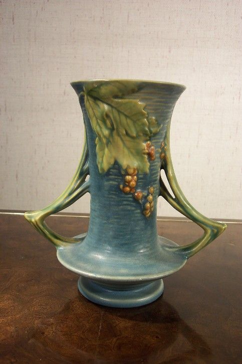 Roseville Pottery Blue Bushberry Vase: