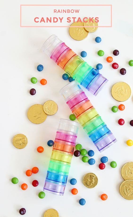 How to make Rainbow Candy Stacks for St. Patricks Day with Glitter and Bubbles. #StPatricksDay #ClassroomTreat #Classroomparty