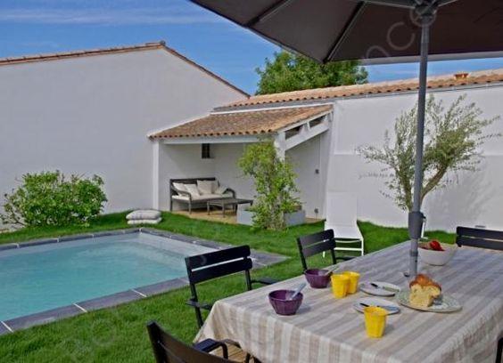 Maison entièrement rénovée, terrasse bois, piscine chauffée et ...