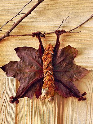 Fledermaus aus Naturmaterialien. Zufinden unter: http://www.familie.de/spielen-basteln/basteln/artikel/mit-naturmaterialien-basteln/ #diy