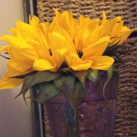 Fleurs sur ma table de nuit