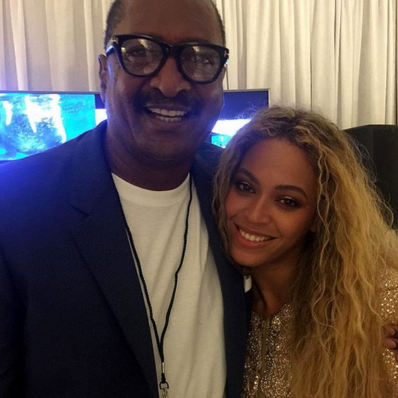 Beyoncé and 'Proud Dad' Mathew Knowles Pose for Family Photo Following Rumors He Inspired That Lemonade Song