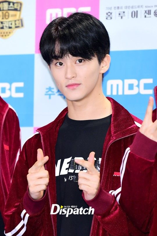 Kpop Idols Having A Visual Competition At Isac 2019 In 2020 Nct Nct Group Mark Lee
