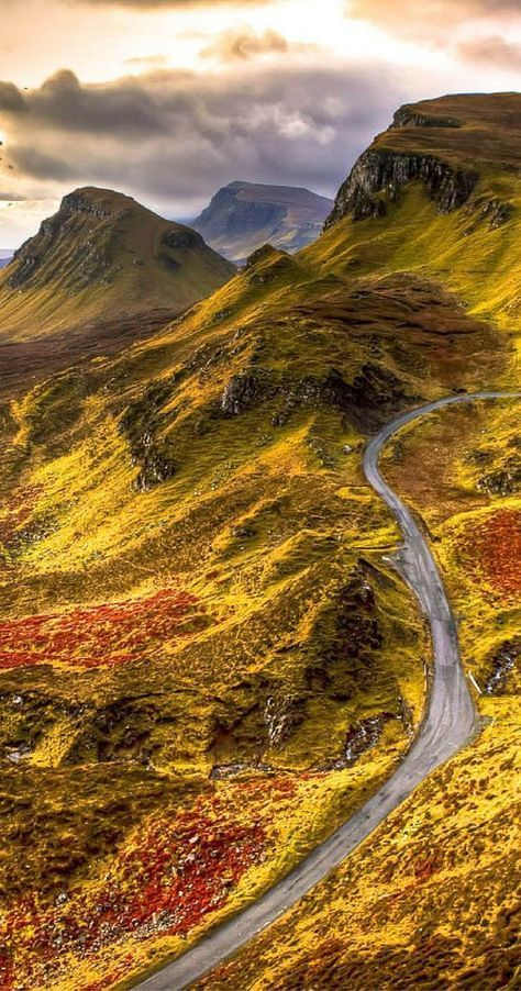 Incredible views of the Scottish highlands! Click through to see 28 Mind Blowing Photos of Scotland!