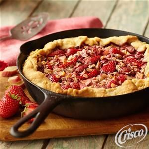 Two words: Skillet Pie! You can't go wrong with this tart and tasty recipe for Strawberry Rhubarb Skillet Pie from Crisco®.