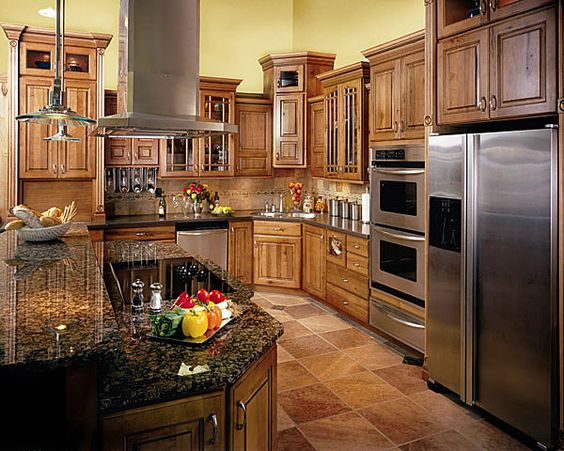 Kitchen remodel cabinets rustic maple spice brown glaze for Chocolate maple glaze kitchen cabinets