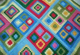 Snug in a Dub: Cottage Garden Crochet Blanket