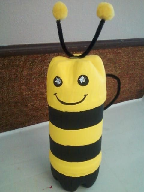 Bumble bee made out of pop bottles 1 take 2 plastic for Plastic bees for crafts