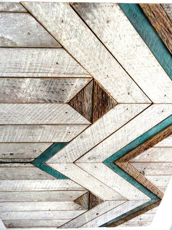 Diese 17 x 21 x 1,5 Wandkunst besteht aus aufbereitetem Holz aus einer alten lokalen Scheune. Es kann in jede Richtung aufgehängt werden. Farben im Stück sind weiß, Naturholz & Türkis.  Sondergrößen und Farben stehen zur Verfügung. ---Bitte Einzelheiten angeben Versand und wir werden Ihnen mit Versandkosten.