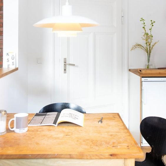Homestory Zu Besuch Bei Bauhaus Liebhaber Nils In 2020 Mit Bildern Bauhaus Bauhausstil Haus