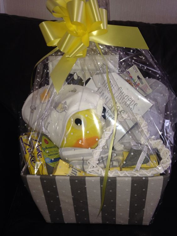 Yellow and grey baby basket for my friend who was expecting a bundle of joy and had decorated her nursery in these colours! #gift #diygift #babyshower