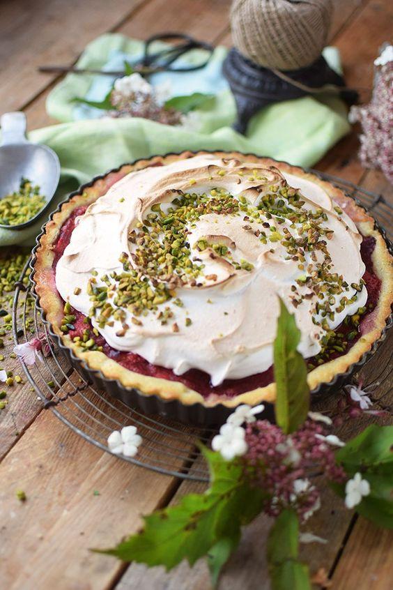 Erdbeer Rhabarber Meringue Pie - Strawberry Rhubarb Meringue   Das Knusperstübchen