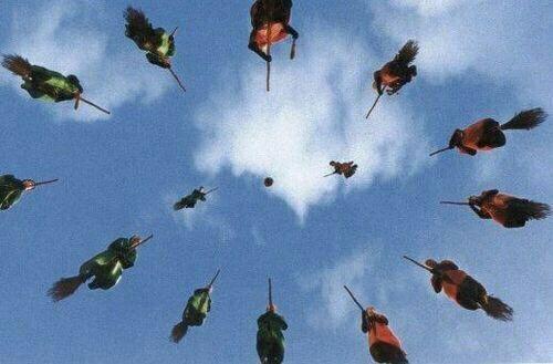 Wir Verraten Dir In Welche Quidditch Position Von Harry Potter Du Hingehorst Harry Potter Aesthetic Harry Potter Pictures Harry Potter Fanfiction