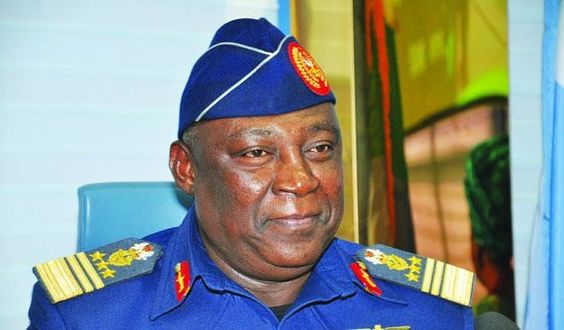 "Detained ex-Defence Chief Alex Badeh cries out, says he's being ""persecuted"" - http://www.yahoods.com/detained-ex-defence-chief-alex-badeh-cries-says-hes-persecuted/"