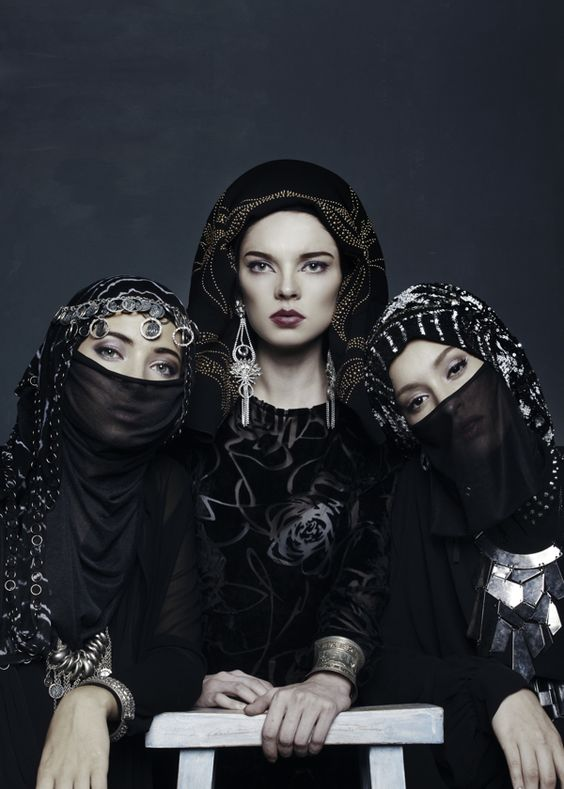 WOMAN INSPIRE, Aquila Magazine by Naga Siregar #fashion #editorial