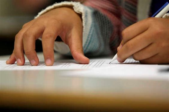 Menos de 20% dos filhos de mulheres com a 4.ª classe têm sucesso escolar