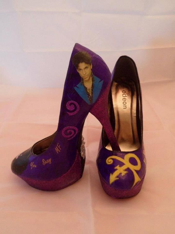 Prince ohhh myyyyyy. Would love these to wear!