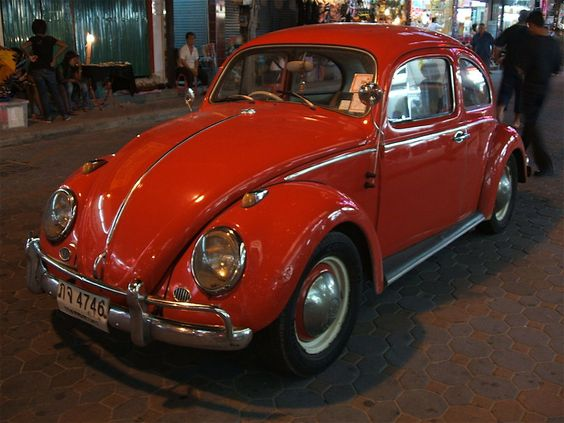 1071115__orange-vw-beetle_p.jpg 808×606 pixels