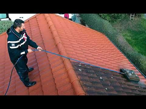 Roof Cleaning Pressure Washer E And L Roofing In 2020 Roof Cleaning Cleaning Gutters Clean Tile