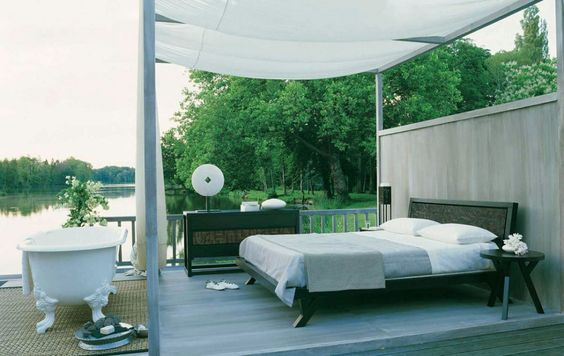 Outdoor Bedroom And Bathtub with Lake View