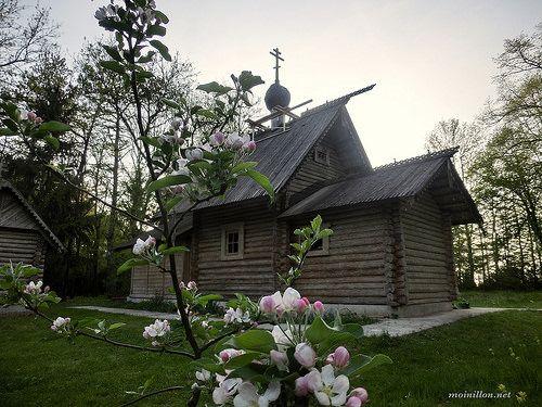 « Aujourd'hui, le printemps embaume... » «Днесь весна благоухает, и новая тварь ликуетъ. Днесь взимаются ключи дверей, и неверия Фомы друга вопиюща: Господь и Бог мой»
