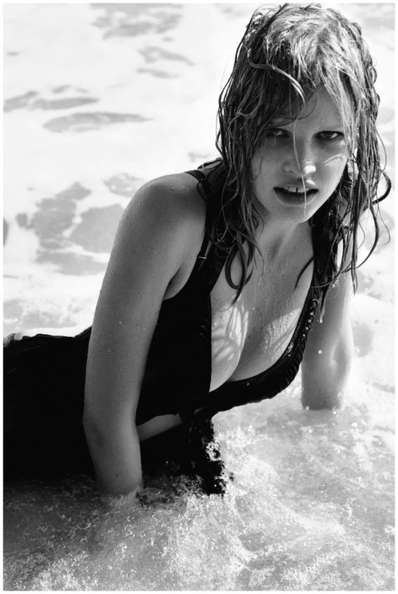 She featured in the June 2009 Body issue of Vogue, where she modelled a selection of new season swimwear, styled by Kate Phelan and photographed by Alasdair McLellan