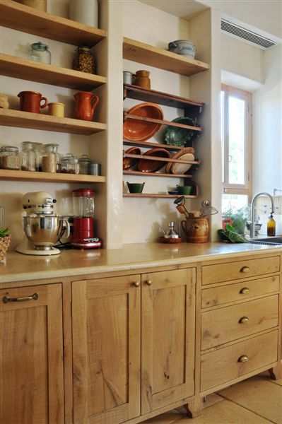 French oak kitchen cabinets by Touchwood | שליכט טבעי Lime Plaster ...
