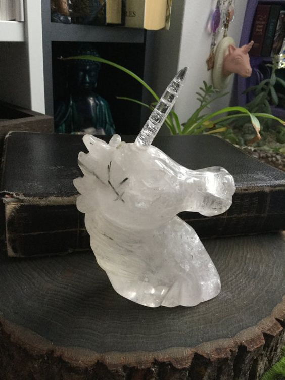 Crystal Unicorn, carved quartz crystal, rutilated quartz, Gemstone, altar, detachable horn - From Loisfairy