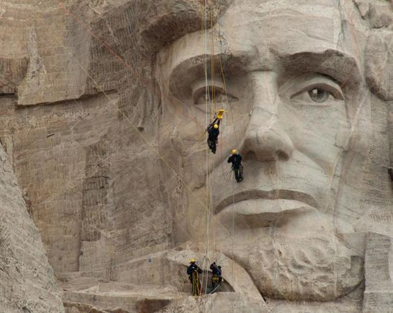 CyArk: Preserving world heritage sites with the latest 3D laser scanning technology | Metro News Climbing teams scan the whites of Abraham Lincoln's eyes