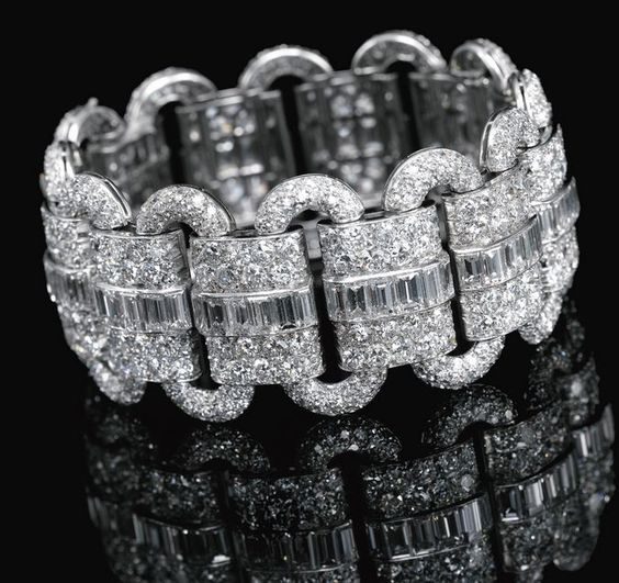 Lot 569 - DIAMOND BRACELET, VAN CLEEF & ARPELS, 1927 2