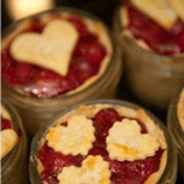 <3 Mmmmm <3 These look awesome and easy to make!  Line a mason jar with Tenderflake pie crust and add your filling