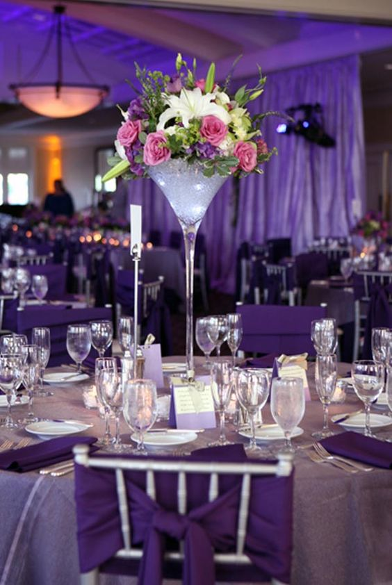Decoration mariage vase martini violet recherche google for Decoration vase martini