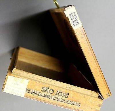 Zigarrenkisten waren tolle Sammelbehälter für Schätze. Heute nehme ich dafür natürlich einen Humidor ;-)