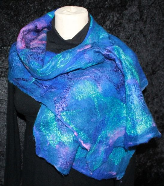 Beautiful soft blue/purple shawl made of silk by RizzzKreations, €45.00