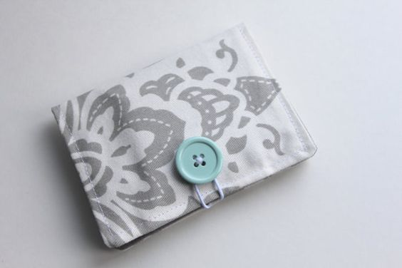 Gray & White Floral Tea Wallet by threadbykristen on Etsy