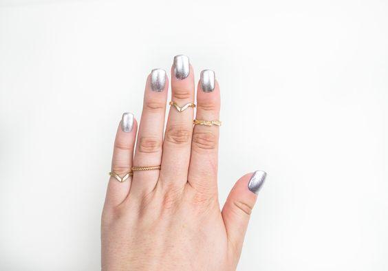 IsaDora ♥ Wonder Nail 651 Silver Sparkles http://beautyboulevard.se/diik Nail Design Nails Naglar Nageldesign Swatch Inspiration Silver