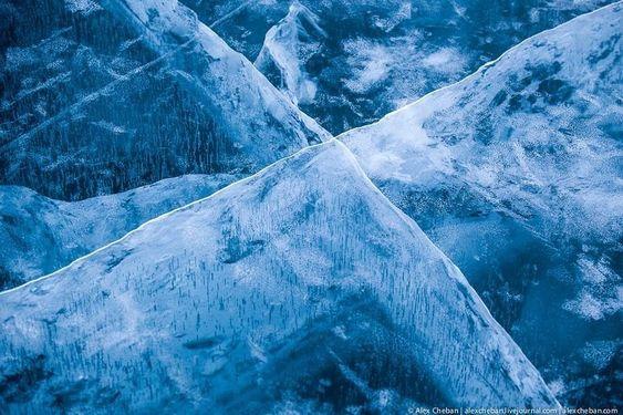 Η σμαραγδένια ομορφιά της λίμνης Βαϊκάλης